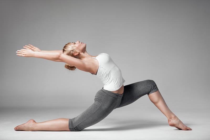 S'étirer les muscles avec le yoga