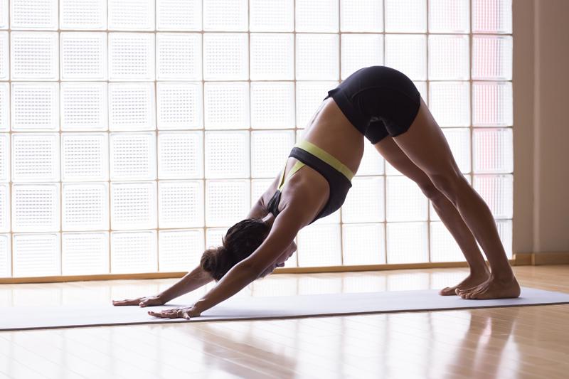 Yoga postures affiner taille
