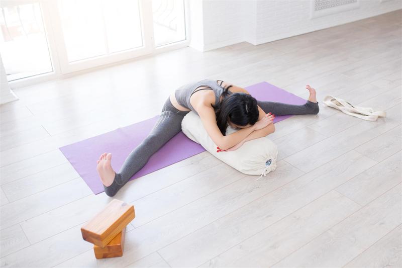 yoga traversin