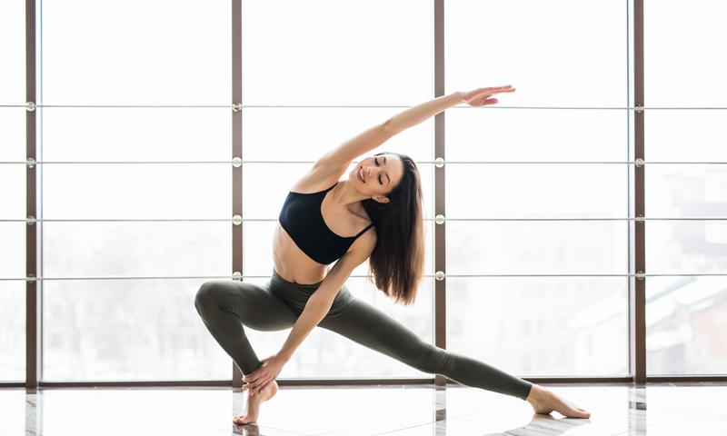 Yoga yogini regulière