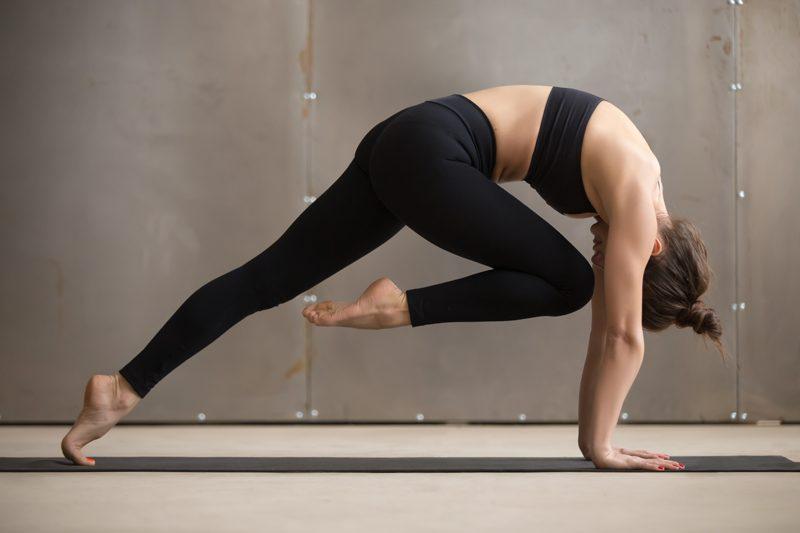yoga knees safe