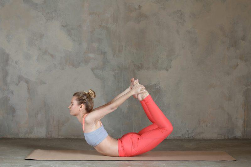 Yoga tonifier buste
