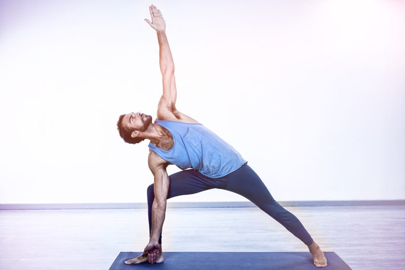 Yoga ressemble yogi