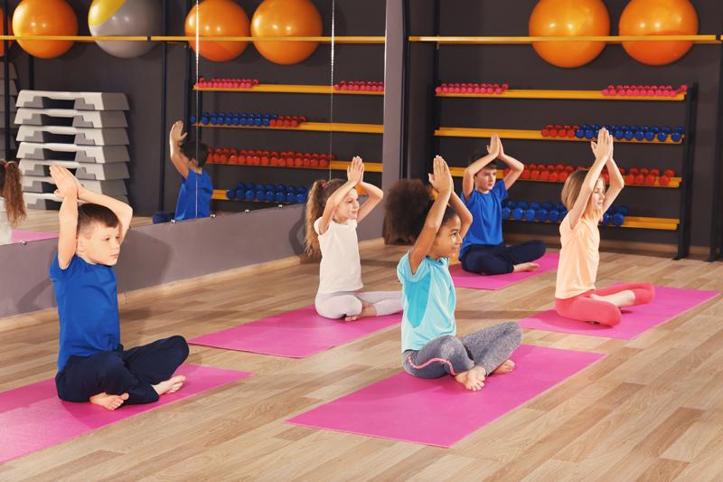 Le yoga à l'école : soulager le stress des études