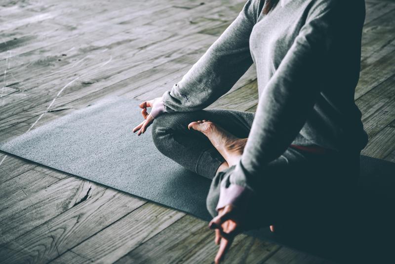 Le yoga pour améliorer les problèmes de thyroïde